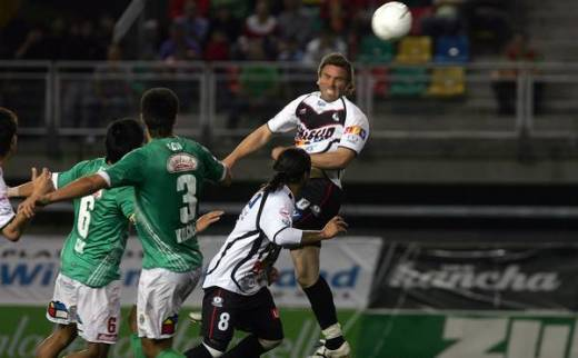 25 Noviembre 2009  Audax Italiano vs Santiago Morning, valido por los cuartos de final del torneo de clausura del Futbol Chileno.   Fotografias Mirko Aicon S.