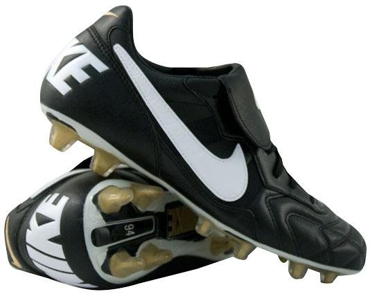 81d504f3d64b7 ... por primera vez en un calzado la palabra Nike ...