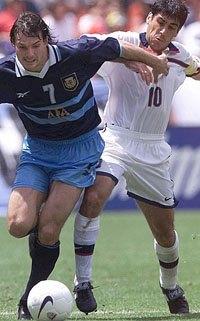 argentinapantalonescelestes.jpg